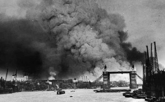 British prisoners of war leave